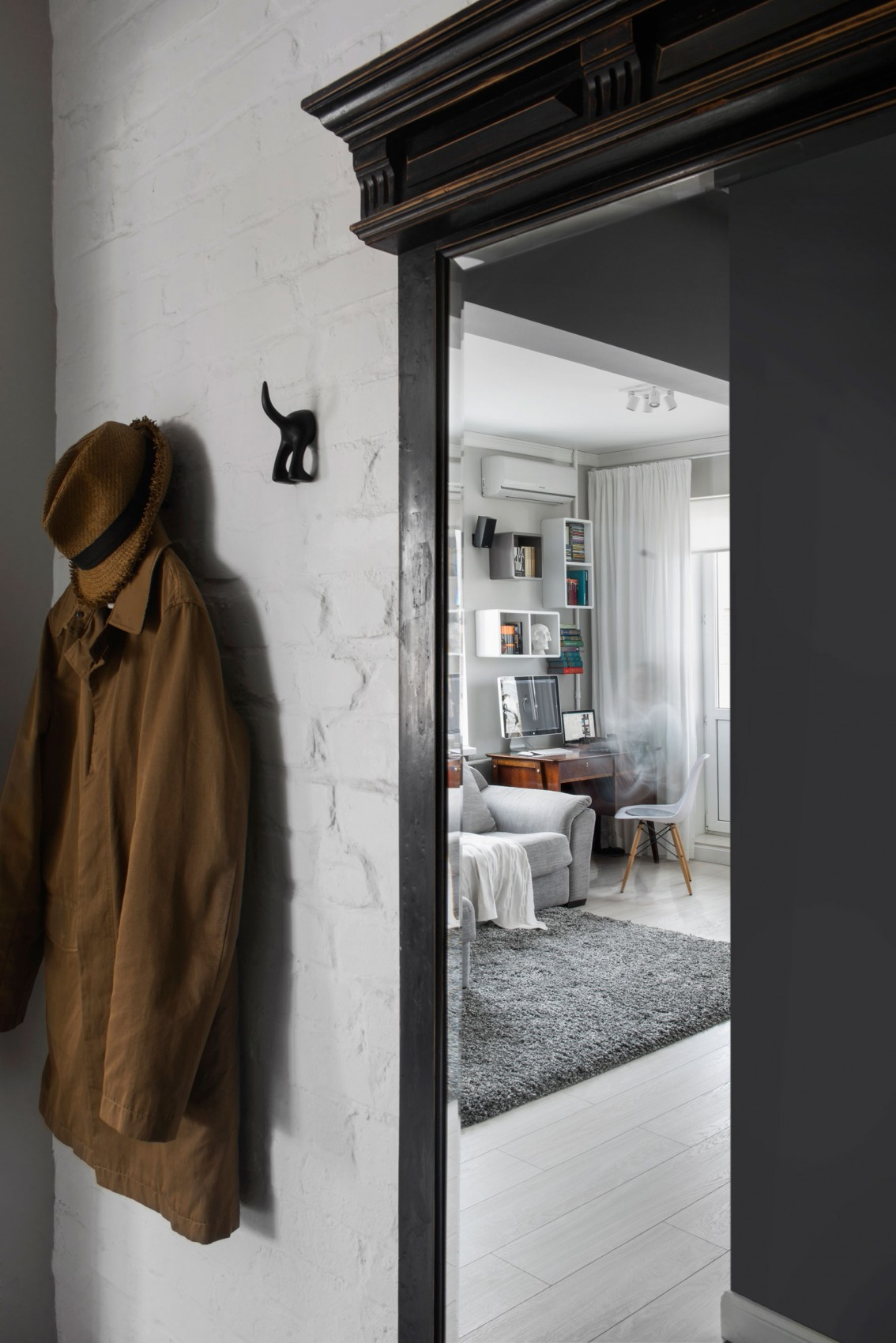 compact-bachelor-haven-in-moscow-02-1134x1700