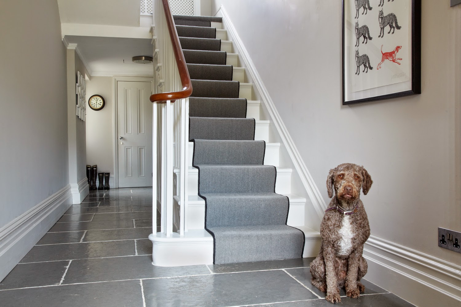 interior_design_ideas_small_hall_stairs_landing_91133_1500_1000