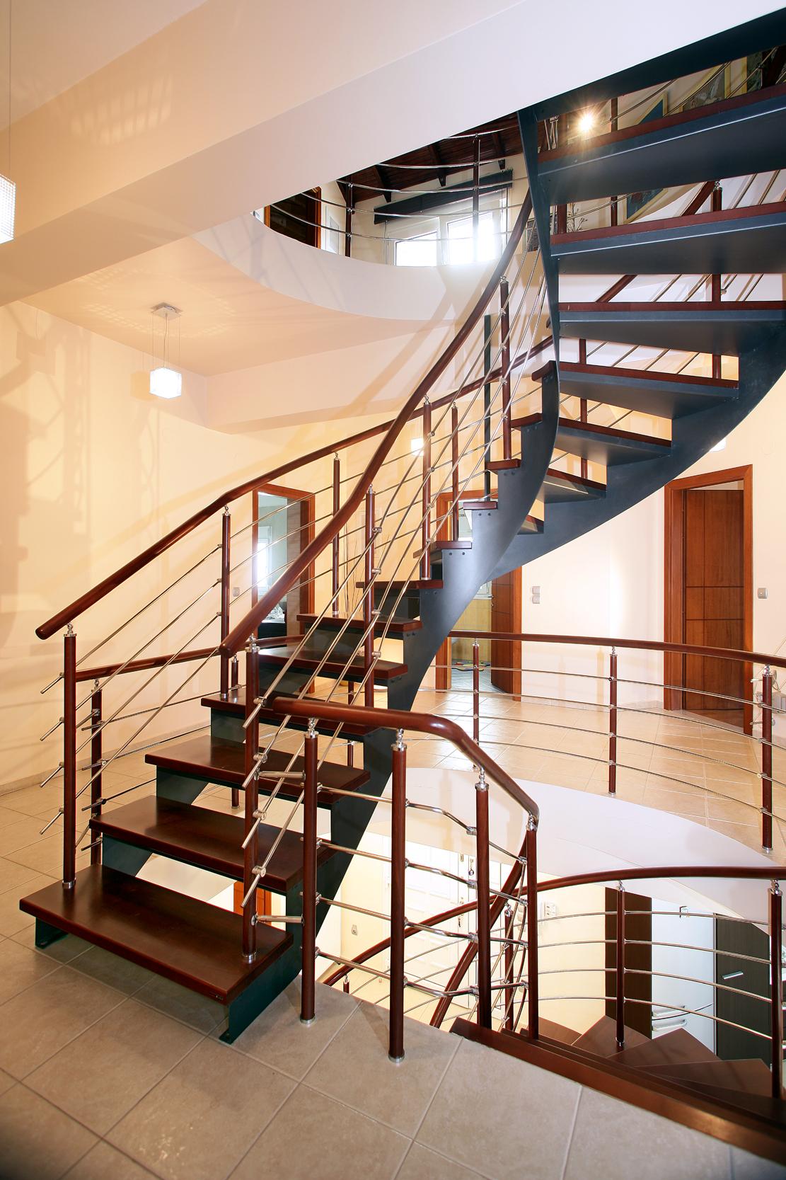 лестницы на второй этаж металлические фото вот что еще
